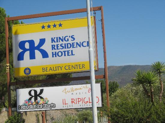 Kings Residence Hotel: l'isegna dice tutto!