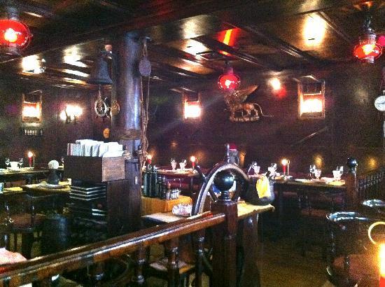 La Caravella: The main room