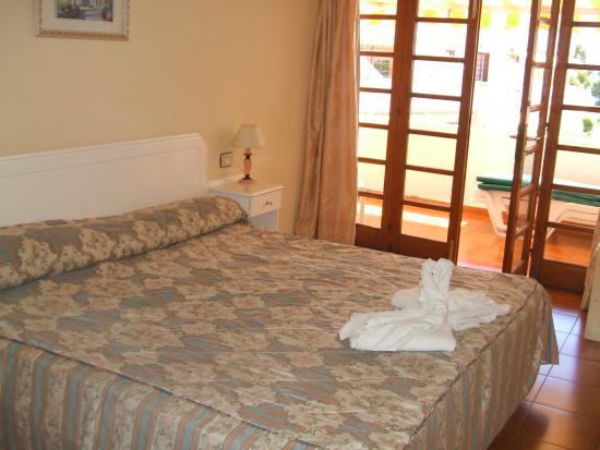 Club Olympus: Bedroom