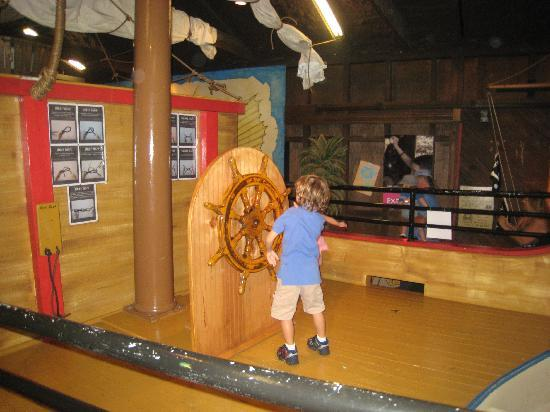 Children's Museum of the Lowcountry: At the helm of the shrimp boat!