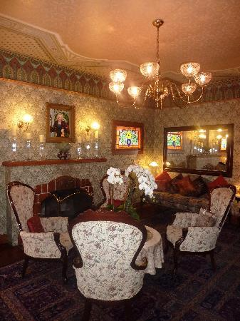 Mill Rose Inn : Parlor