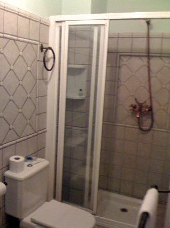 Lola Hotel: Shower in room 'Lola'