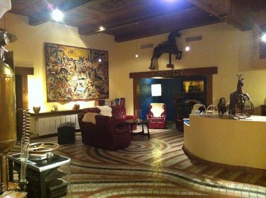 알베르고 로소네 호텔 사진
