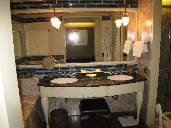 salle de bain 2 - Bild von Mandarin Oriental, Bangkok, Bangkok ...