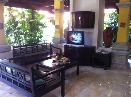 Royal Tunjung Bali Hotel Spa Living Room