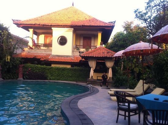 Love Da Pool Picture Of Royal Tunjung Bali Hotel Spa Legian Tripadvisor