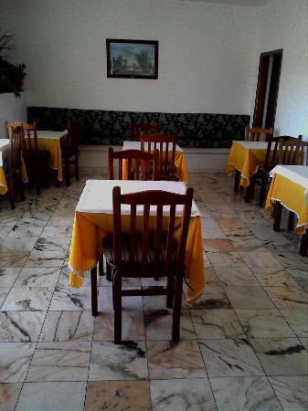 Vila Teresinha  Guest House: Breakfast room