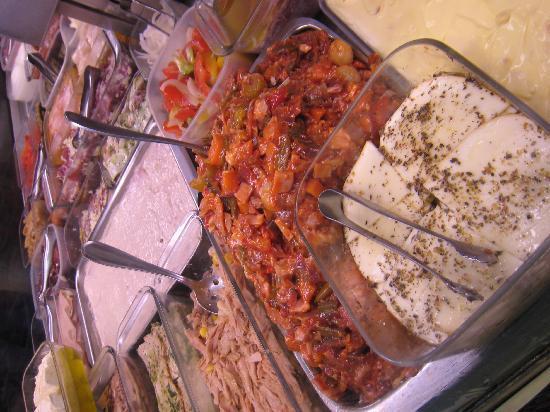 Gran Ristoro : Lots to pick from!  Subway, Italian style!