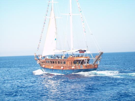 Domina Coral Bay Oasis: barca