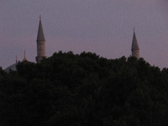 Sirkeci Mansion: Blue Mosque from rooftop restaurant