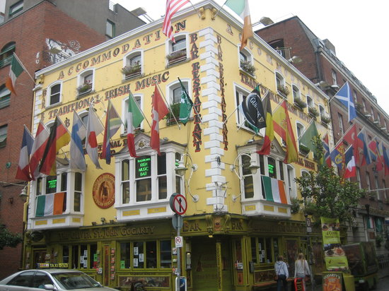 The Irish Dance Party: The pub......