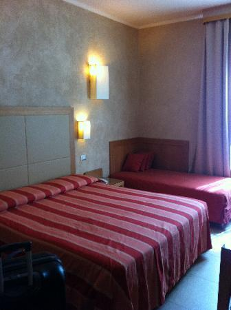 Hotel Perseo: Double bedroom