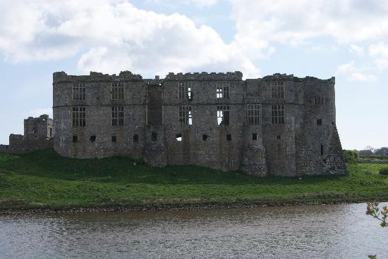 Carew Castle: Aussenansicht