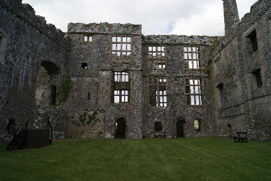 Carew Castle: Innenhof