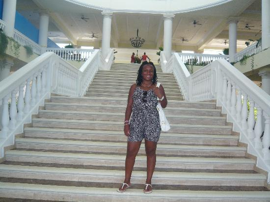 Grand Palladium Jamaica Resort & Spa: Grand staircase at The Grand Palladium
