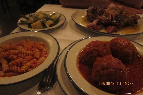 Italian Restaurant Montreal Women