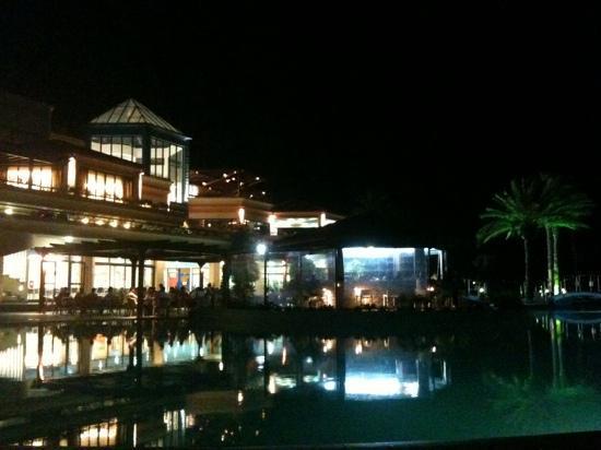 Rodos Princess Beach Hotel: albergo by night