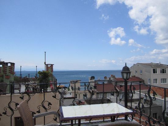 Asmali Hotel: terrace
