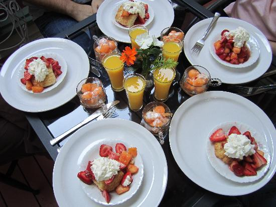 Heart of the Hills Inn & Cottage : Amazing Breakfast