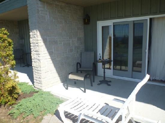 Eganridge Resort, Country Club & Spa: Rooms 101-106 have private patios
