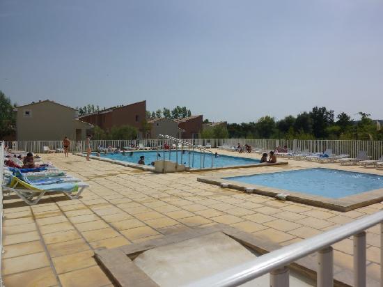 Saint Saturnin les Avignon, France: La piscine