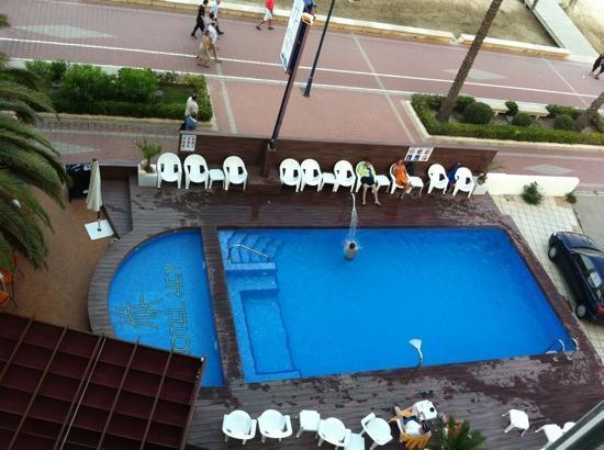 Sunday's Beach: Solo unas pocas habitaciones tienen vistas a la piscina