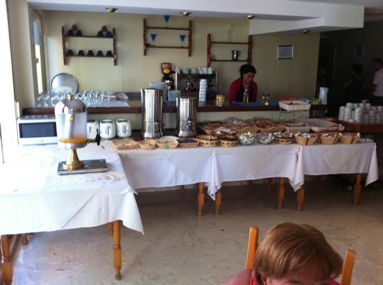 Sunday's Beach: Desayuno tipo buffet