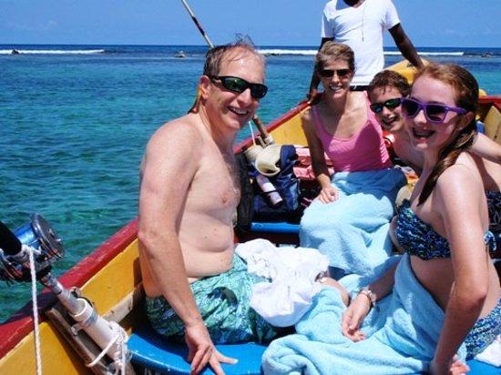 Fiwi Island Tours : We taking fishing Jamaican style