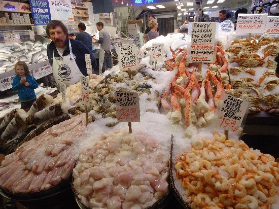 Seafood stall picture of pike place market seattle for Fish market seattle