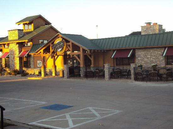Days Inn Brookings: Ground Round on property with outdoor seating and firepit