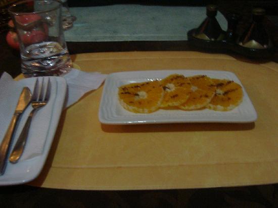 Dar Jeeling : orange slices for dessert