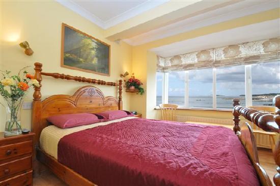 Sea-Breeze Lodge: Beautful bedroom