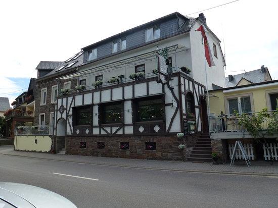 "Ellenz-Poltersdorf, Γερμανία: Gasthaus ""Krönen"""