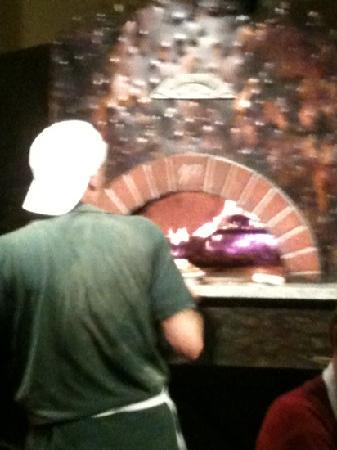 The Tuscan Oven Pizzeria: smokin