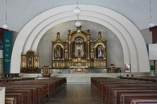 San Pedro Cathedral: Newly renovated/designed altar (just finished early this yr