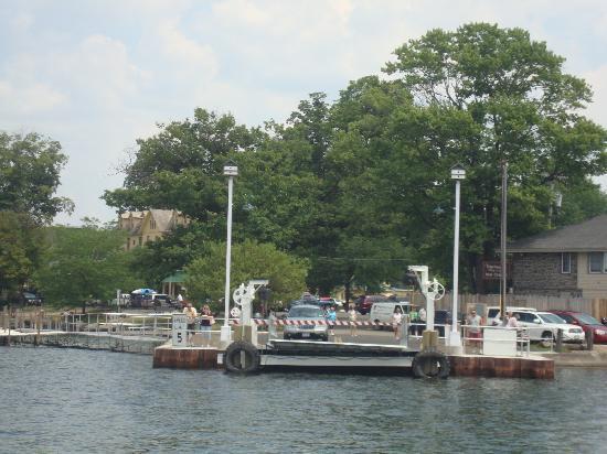 Hotel Lenhart: Ferry