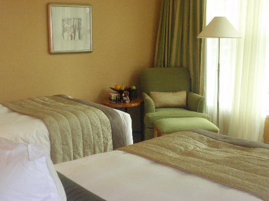 โรงแรมคอนราด เซ็นเทนเนียล สิงคโปร์: Habitación