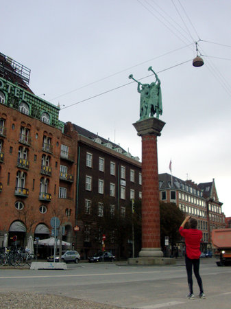 Running Tours Copenhagen: in the middle of the town