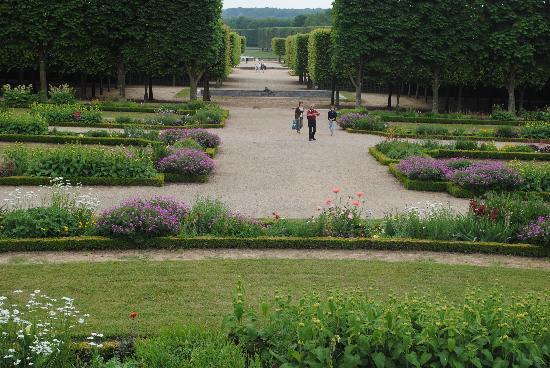 พระราชวังแวไซล์ส: Domain Du Marie Antoinette