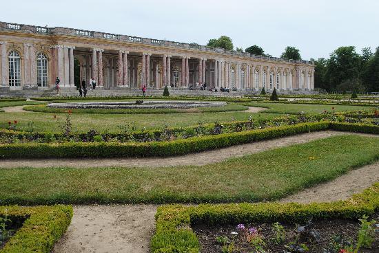 พระราชวังแวไซล์ส: The Grand Trianon