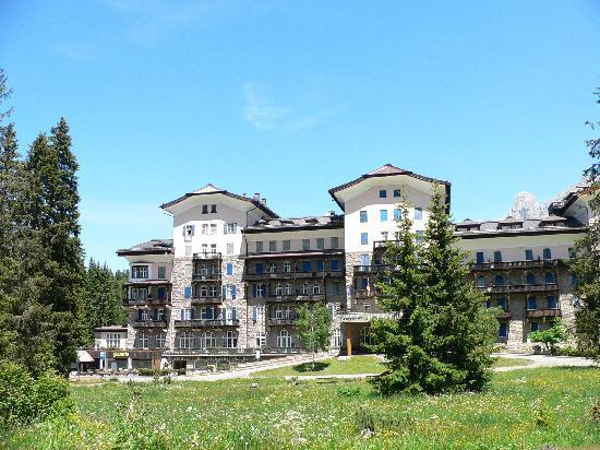 Carezza, Italia: esterno hotel
