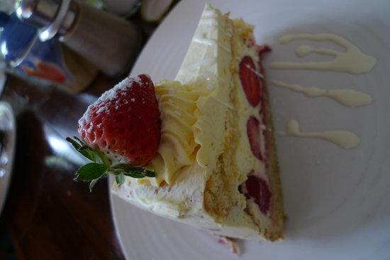 Indulgence Restaurant : Strawberry cake
