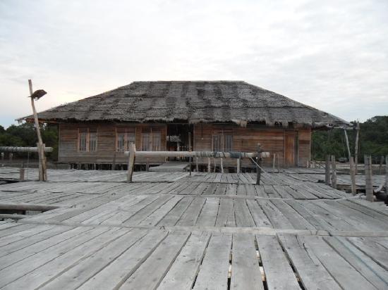 Blue Mountain Kelong: Front view
