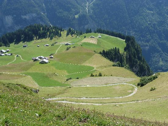 Tamina Hotel: Take the cable car up the Vaettnerberg