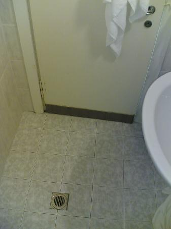 Hotel Sayonara: scarico doccia