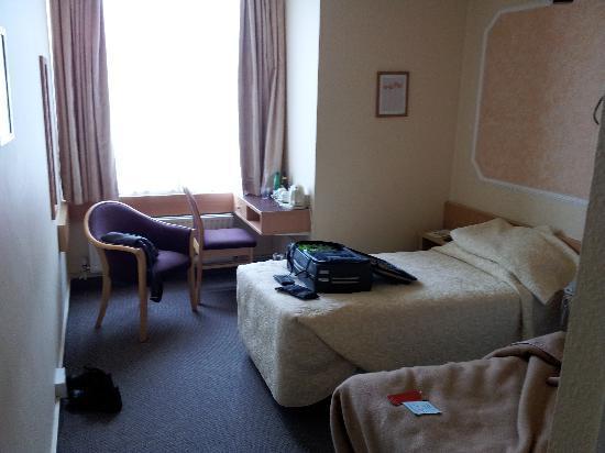 Lancaster Hall Hotel: Room