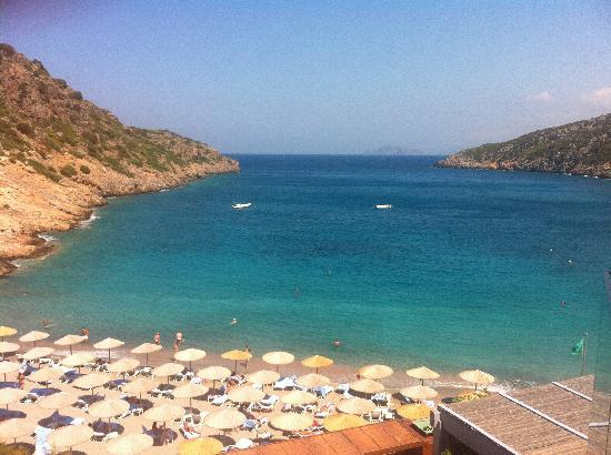 Daios Cove Luxury Resort & Villas: The beach
