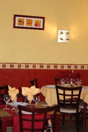 Hotel Restaurant Les Oliviers : restaurant