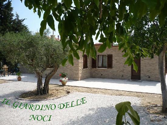 Logo foto di il giardino delle noci porto sant 39 elpidio - Ristorante il giardino porto sant elpidio ...