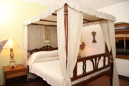 Pousada Tauma: Suite Bed Area